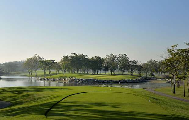 tee box at lotus valley golf club, bangkok, thailand