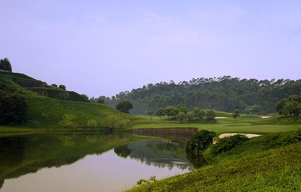 lake side at ozaki course mission hills, guangdong china