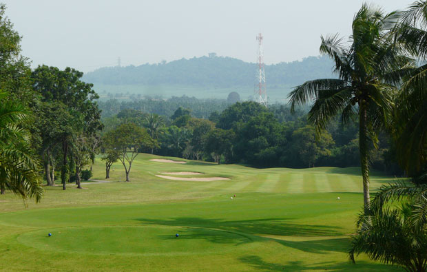 10th hole, pattavia century golf club, pattaya, thailand