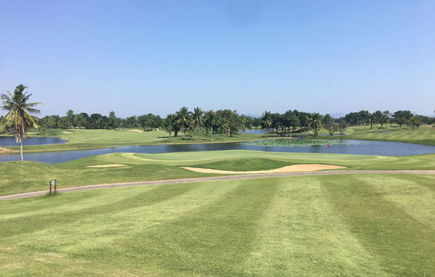 18th Green Majestic Creek Golf Club Hua HIn