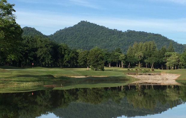 Sawang Resort and Golf Course water hazard