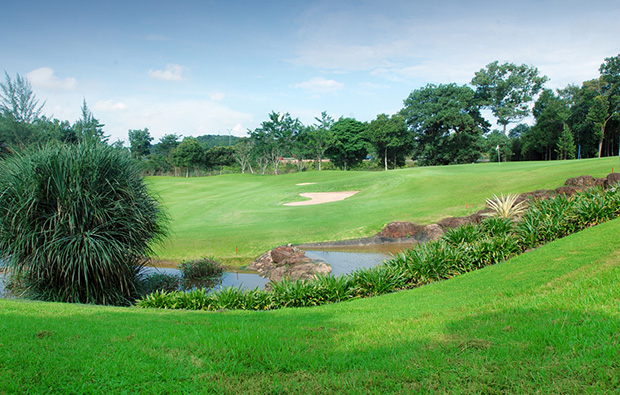 tee box southlinks country club, batam island, indonesia
