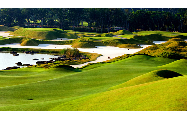 Large bunkers at Laguna National World Classic Course, Singapore
